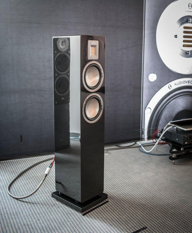 Audiovector-QR3.jpg