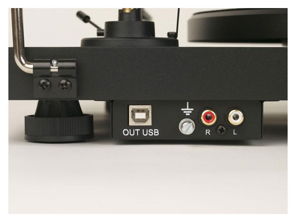 Debut-Carbon-Phono-USB-OM10-bagside